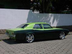 O Maverick   foi um automóvel criado pela Ford dos Estados Unidos que obteve grande  sucesso em seu país de origem. Também foi fa...