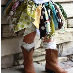 tutu and boots! Too cute. Will be making that tutu soon! My Baby Girl, Baby Love, Carnaval Costume, Kids Mode, Couture Bb, Fabric Tutu, Ribbon Tutu, Ribbon Skirts, Fairy Skirt