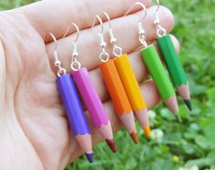 Boucles d'oreilles crayons de couleur au choix une paire cadeau pour la…