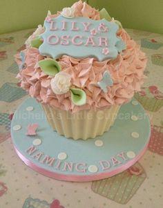 Lemon, vintage style, naming day giant cupcake!