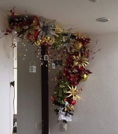 Baby Decor Crafts Christmas Decorations Ideas For 2019 Gold Christmas Decorations, Christmas Arrangements, Christmas Swags, Christmas Room, Noel Christmas, Christmas Tree Toppers, Xmas Tree, Tree Decorations, Christmas Crafts