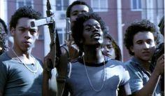 """""""De aquí a veinte años, cuando mi hijo me pregunte: """"Papá, ¿cómo era Río?, yo le voy a decir: """"Lee Cidade de Deus: allí está todo"""". Las palabras de Marcelo Rubens Paiva, guionista brasileño, reflejan la majestuosidad de un título que retrató la cruda realidad de las favelas brasileñas en la segunda mitad del siglo XX. …"""
