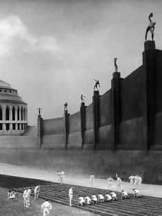 Metropolis (1927, Fritz Lang)Photo by Horst von Harbou.