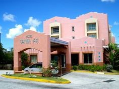 オトナかわいい!グアムの穴場ホテル「サンタフェ」にステイ! | グアム | Travel.jp[たびねす] Guam, Santa Fe, Fendi, Mansions, House Styles, Travel, Viajes, Manor Houses, Villas