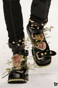 Visual Kei Shoes... Black Leather, Pink Roses & Golden Studs...  Would so do my boots up this way