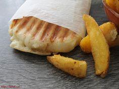 Le pain pour le panini est très simple à réaliser et c'est le pain idéale pour ce célèbre sandwich garni de fromage et qui se mange chaud. Pain Panini, Bread Recipes, Cooking Recipes, Easy Bread, Recipe Images, Junk Food, Sandwiches, Food Porn, Food And Drink