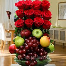 Image result for arreglos florales Church Flower Arrangements, Fruit Arrangements, Flower Boxes, My Flower, Get Well Soon Flowers, Valentine Baskets, Chocolate Bouquet, Floral Bouquets, Ikebana