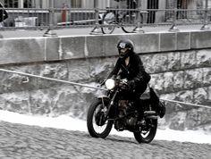 バイク : ドラゴンタトゥーの女でルーニーマーラが乗ってるバイクが気になる件 - NAVER まとめ