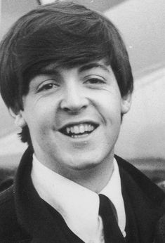 Paul McCartney Has The Prettiest Hair And Eyelashes Ever On A Guy