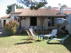house / villa - RIVEDOUX-PLAGE-île de RéHoliday Rental in Rivedoux Plage from @HomeAwayUK #holiday #rental #travel #homeaway