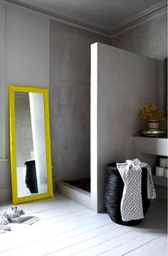Combinação de preto, branco e amarelo