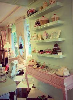 Ladybug   Boutique & Cake