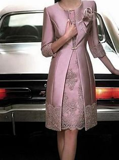 Ίσια Γραμμή Φόρεμα Μητέρας της Νύφης Κομψό Βίντατζ Μεγάλο Μέγεθος Bateau Neck Μέχρι το γόνατο Σατέν 3/4 Μήκος Μανικιού με Ζώνη / Κορδέλα Κρυστάλλινη λεπτομέρεια 2020 2020 - € 181.28 Lace Dress, Wrap Dress, Basic Hoodie, Satin Tulle, Half Sleeves, Elegant Dresses, Sash, Mother Of The Bride, Marie