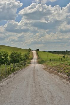 Country road....................... ..