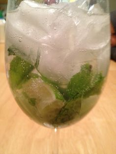 Beck, The crazy housewife: Paleo Tequila lime chicken and Paleo mojitos! Paleo Alcoholic Drinks, Tequila Lime Chicken, Clean Drink, Natural Honey, Food Words, Dessert Drinks, Desserts, How To Eat Paleo, Convenience Food