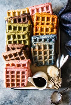 Homemade waffles are present in the morning routine of the tennis Champion Roger Federer. Enjoy these 30 crispy waffles recipes. Waffle Bar, Waffle Iron, Rainbow Waffles, Waffle Recipes, Sausage Recipes, Steak Recipes, Cod Recipes, Lentil Recipes, Broccoli Recipes