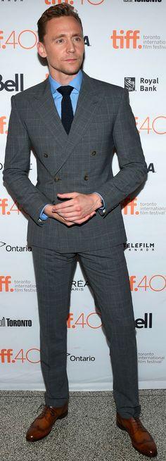 #TomHiddleston attend the #HighRise premiere during the 2015 Toronto International Film Festival at The Elgin on September 13, 2015. (Torrilla) (UHQ: https://i.imgur.com/hhsmifv.jpg )