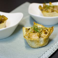 Honey Garlic Chicken Wonton Cups - dear Rick, please make me these because you love me <3