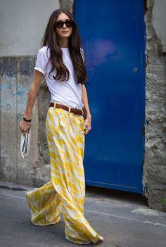 Zehn ziemlich coole Styling-Ideen für ein weißes Basic-Shirt - Très Click