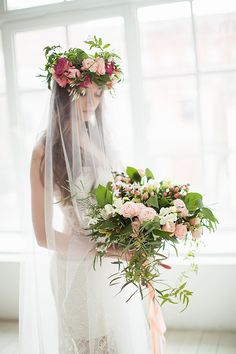 Flower Crown and veil | Photo by: Karina Sevina via Fab You Bliss #flowercrown #veil #bride