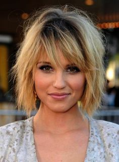 The Shaggy Bob Haircuts Spring Summer in different variants proving a hair look
