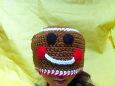 Christmas Holiday Gingerbreadman Beanie Hat   wowthankyou.co.uk