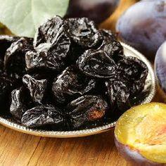 Jak zrobić śliwki w occie? Tradycyjny, stary przepis - Beszamel.se.pl Cheddar, Fruit Sec, Pasta, Snacks, Granola, Plum, Blueberry, Pudding, Dinner