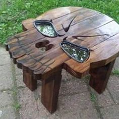 Saico oil on garden table Pallet Crafts, Diy Wood Projects, Projects To Try, Dream Furniture, Garden Table, Punisher, Cool Stuff, Man Stuff, Random Stuff