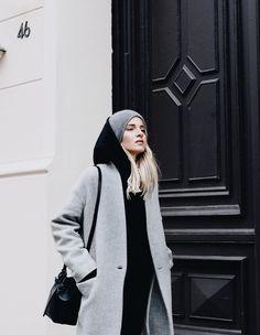 MINIMAL + CLASSIC @nordhaven Balenciaga hoodie, Nili Lotan coat & jeans, Mansur Gavriel bucket bag. Via Mija