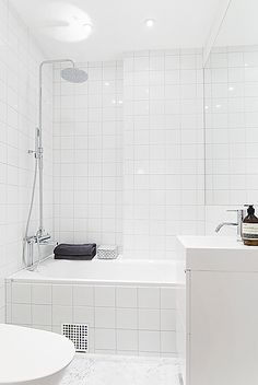 Shower over bath, tiled All White Bathroom, Small Bathroom, Decorating My First Apartment, Shower Over Bath, New Bathroom Designs, Bathroom Renos, Bathrooms, Home And Deco, Minimalist Interior