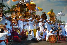 #Indonesia #Bali #Ceremony #Tradition #Colors #People #Costume