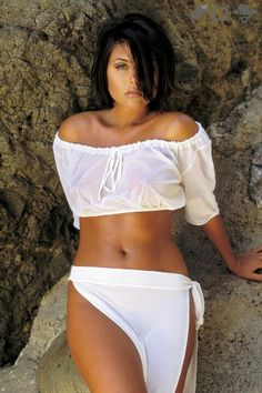 WOW - Tiffani Amber Thiessen