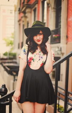 Flashes of Style: Summer Floral Uniform