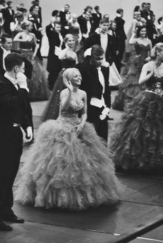 Vinkkejä Wanhoille // Elizaveta Girls Dresses, Flower Girl Dresses, Diy Party Decorations, Celebration, Tulle, Wedding Dresses, Skirts, Fashion, Dresses Of Girls