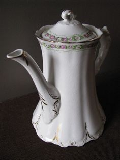 Homer Laughlin Hudson TeaPot on Etsy, $35.00