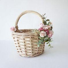 Flower girl basket basket with faux flowers wicker basket Rustic Baskets, Wicker Baskets, Baby Breath Flower Crown, Flower Girl Basket, Garden Theme, Flower Hair Clips, Faux Flowers, Easter, Sweet 16