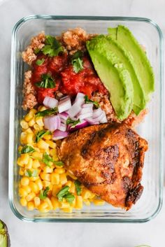 Healthy Meals Southwest Chicken Meal Prep Bowls - These Southwest Chicken Meal Prep Bowls are the very best way to kick off Full of healthy fat, carbs and protein - this is not your average boring desk lunch! Lunch Meal Prep, Meal Prep Bowls, Healthy Meal Prep, Fitness Meal Prep, Healthy Cooking, Lunch Recipes, Diet Recipes, Cooking Recipes, Healthy Recipes