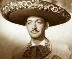 """JORGE NEGRETE   Jorge Negrete es uno de los grandes exponentes de la música mexicana, del que hoy en día aún se escuchan las canciones, incluso actualmente en la telenovela """"Qué bonito amor"""", donde los personajes de la historia interpretan estos populares temas.  Este miércoles cinco de diciembre se cumplen 59 años de la muerte de quien fuera llamado de manera justa y sin protesta alguna """"El inolvidable charro cantor"""", quien fue además de cantante, actor de cine y líder sindical. Conocido p..."""