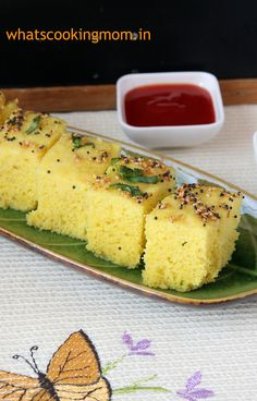 Moong dal dhokla- vegetarian, snack, breakfast, school lunch box, healthy |whatscookingmom.in