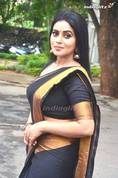 Photograph of Shamna Kasim (Poorna) AYUSHMANN KHURRANA BIOGRAPHY, AGE, WIFE, BEST MOVIES & MORE #EDUCRATSWEB educratsweb.com Entertainment 2020-09-14