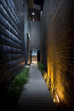 Skylab Architecture // 12+ Alder - Entry [Portland, Oregon]