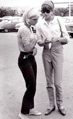 Yé-Yé girls Sylvie Vartan and Françoise Hardy, 1960s.