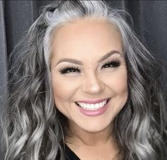 gray transition ideas for brunettes Grey Hair Transformation, Gray Hair Highlights, Grey Hair Lowlights, Grey Hair Inspiration, Gray Hair Growing Out, Silver Blonde Hair, Long Gray Hair, Grey Hair Young, Nagellack Trends