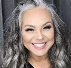 gray transition ideas for brunettes Silver Blonde Hair, Lilac Hair, Pastel Hair, Blue Hair, Ombre Hair, Grey Hair Transformation, Gray Hair Highlights, Grey Hair Lowlights, Grey Hair Inspiration