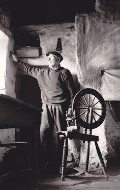 Donegal spinning wheel, Glencolumbcille, Co. Donegal