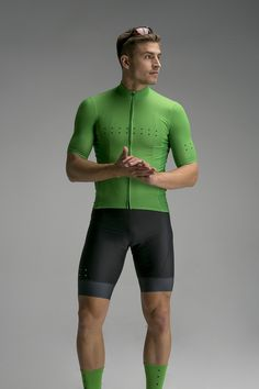 Looking For Quality in a Bicycle Jersey - Cycling Whirl Cycling Tights, Cycling Wear, Bike Wear, Cycling Jerseys, Cycling Outfit, Road Cycling, Cycling Clothing, Gym Gear For Men, Lycra Men