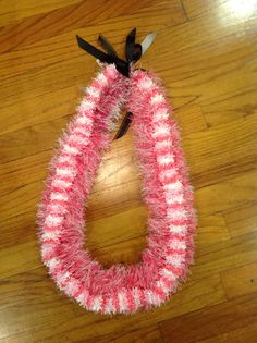 Ribbon lei pink and white