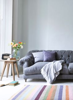 Bagsie Sofa 2019 Loaf's comfy grey linen Bagsie chesterfield sofa in this light and airy living room The post Bagsie Sofa 2019 appeared first on Sofa ideas. Cozy Living Rooms, Living Room Sofa, Home And Living, Living Room Decor, Living Spaces, Dining Room, Living Area, Dining Chairs, Chesterfield Sofas