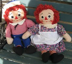 Knickerbocker Talking Raggedy Ann & Andy Dolls by Jenzart on Etsy Girl Doll Clothes, Doll Clothes Patterns, Antique Dolls, Vintage Dolls, Raggedy Ann And Andy, Sweet Couple, Little Girls, Whimsical, Sewing Projects