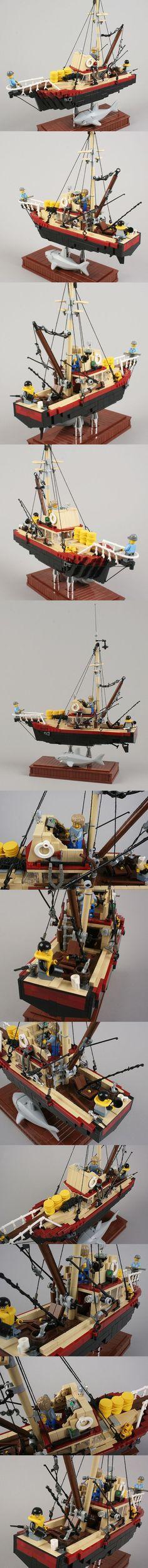 Jaws lego I want this. Lego City, Lego Boat, Lego Ship, All Lego, Lego Worlds, Cool Lego Creations, Lego Design, Lego Building, Boat Building